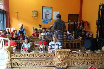 Latihan Gong Anak Anak, Tabuh Tari Rejang Renteng
