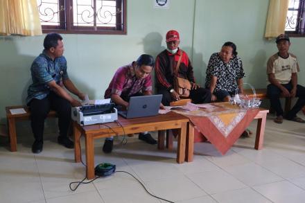 Jemput Bola, Pembayaran Pajak PBB Online di Desa Gobleg