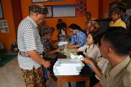 Penyerahan Sertipikat Prona 2017 tahap II
