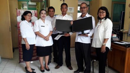 Perpustakaan Harapan Desa Gobleg Menerima dua Unit Komputer
