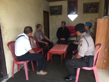 Kapolsek Banjar kunjungi Rumah Duka korban Mobil Terbakar di Gobleg