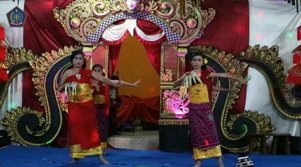 Tari Panyembrahma dalam Rangka hari Raya Galungan dan Kuningan